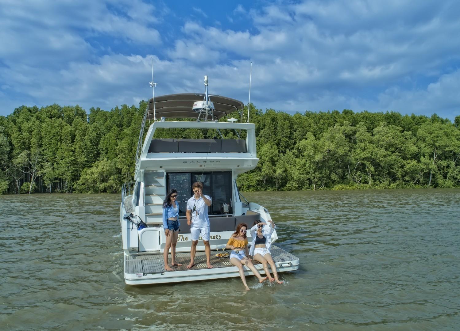 Tour Du Thuyền Tham Quan Rừng Ngập Mặn Cần Giờ 1 Ngày
