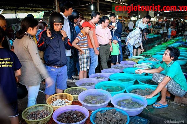 ăn hải sản chợ Cần Giờ