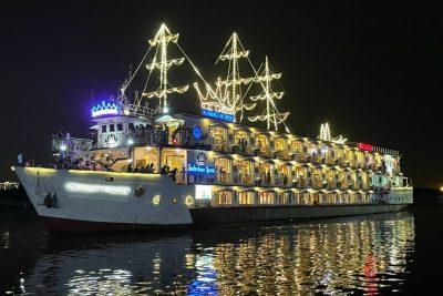 Tour Ăn Tối Trên Du Thuyền Indochina Queen